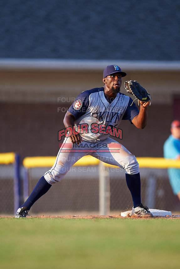 Brooklyn Cyclones first baseman Darryl Knight (25) waits for a throw during a game against the Batavia Muckdogs on July 5, 2016 at Dwyer Stadium in Batavia, New York.  Brooklyn defeated Batavia 5-1.  (Mike Janes/Four Seam Images)