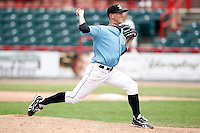 June 25, 2009:  Relief Pitcher Zach Simons of the Erie Seawolves delivers a pitch during a game at Jerry Uht Park in Erie, PA.  The Erie Seawolves are the Eastern League Double-A affiliate of the Detroit Tigers.  Photo by:  Mike Janes/Four Seam Images