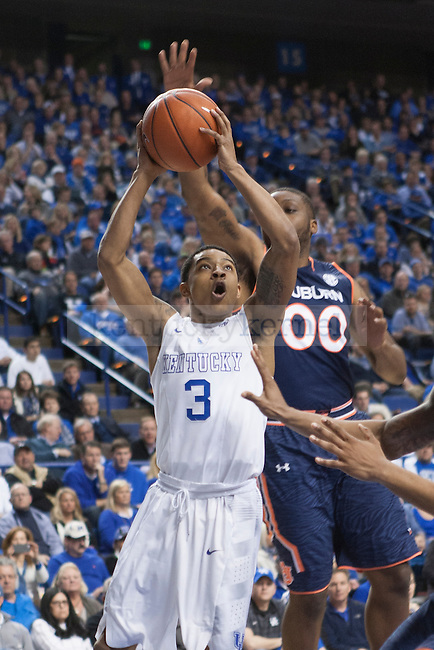 Guard Tyler Ulis of the Kentucky Wildcats attacks the basket during the game against the Auburn Tigers at Rupp Arena on Saturday, February 21, 2015 in Lexington, Ky. Kentucky defeated Auburn 110-75. Photo by Michael M Reaves | Staff.