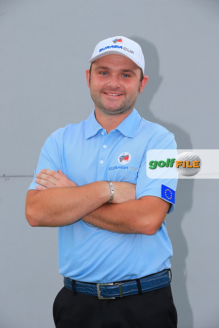 Andy Sullivan (ENG) European Team before Pro-Am Day of the 2016 Eurasia Cup held at the Glenmarie Golf &amp; Country Club, Kuala Lumpur, Malaysia. 14th January 2016.<br /> Picture: Eoin Clarke | Golffile<br /> <br /> <br /> <br /> All photos usage must carry mandatory copyright credit (&copy; Golffile | Eoin Clarke)