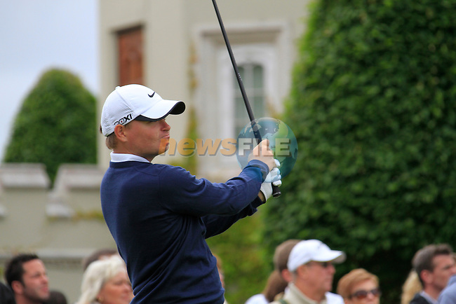 James Morrison (ENG) tees off on the 1st tee to start his round on Day 2 of the BMW PGA Championship Championship at, Wentworth Club, Surrey, England, 27th May 2011. (Photo Eoin Clarke/Golffile 2011)