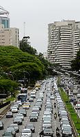 SÃO PAULO,SP, 05.11.2013 TRANSITO/SP -  transito no avenida 23 de Maio na altura do Paraiso sentido bairro, na zona sul  de Sao Paulo. (Foto: Alan Morici /Brazil Photo Press).
