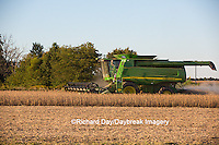 63801-07201 Farmer harvesting soybeans, Marion Co., IL