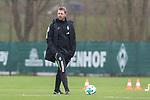 14.04.2018, Trainingsgelaende, Bremen, GER, 1.FBL, Training SV Werder Bremen<br /> <br /> im Bild<br /> Florian Kohfeldt (Trainer SV Werder Bremen), <br /> <br /> Foto &copy; nordphoto / Ewert