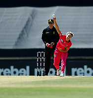 2nd November 2019; Western Australia Cricket Association Ground, Perth, Western Australia, Australia; Womens Big Bash League Cricket, Melbourne Renegades versus Sydney Sixers; Ellis Perry of the Sydney Sixers bowls during her first spell - Editorial Use
