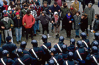 - social center Leoncavallo, evacuation from the historical center of Leoncavallo street..- centro sociale Leoncavallo, sgombero dalla sede storica di via Leoncavallo (gennaio 1994)