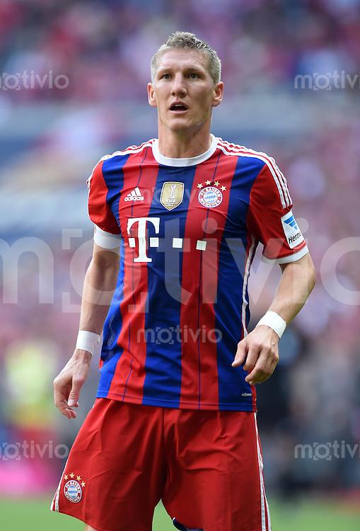 FUSSBALL   1. BUNDESLIGA   SAISON 2013/2014  34. SPIELTAG FC Bayern Muenchen - VfB Stuttgart             10.05.2014 Bastian Schweinsteiger (FC Bayern Muenchen) nachdenklich, muss verletzt Ausgewechselt werden