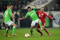 FUSSBALL   1. BUNDESLIGA   SAISON 2012/2013    22. SPIELTAG VfL Wolfsburg - FC Bayern Muenchen                       15.02.2013 Jan Polak (li) und Vierinha (Mitte, VfL Wolfsburg) gegen Franck Ribery (re, FC Bayern Muenchen)