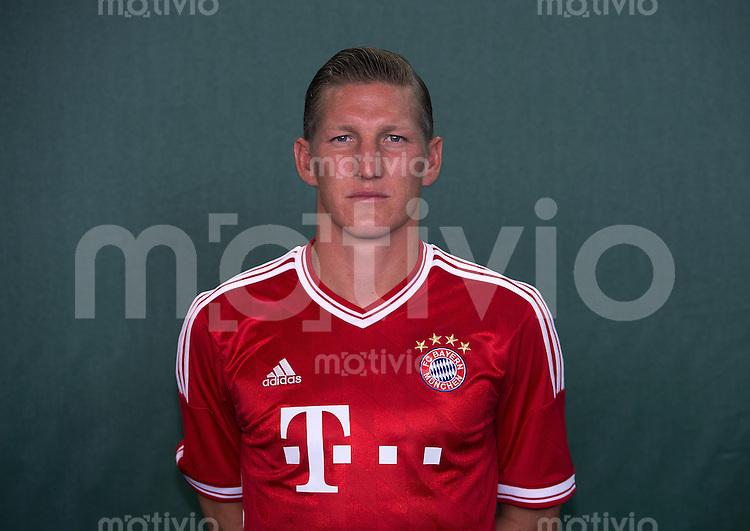 FUSSBALL     1. BUNDESLIGA     SAISON  2012/2013      Fototermin beim  FC Bayern Muenchen 18.07.2013 Bastian Schweinsteiger