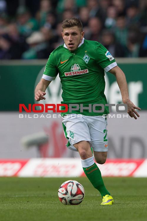 04.04.2015, Weser Stadion, Bremen, GER, 1.FBL. Werder Bremen vs 1. FSV Mainz 05, im Bild<br /> <br /> <br /> Levent Aycicek (Bremen #21)<br /> Einzelaktion, Ganzk&ouml;rper / Ganzkoerper,<br /> <br /> <br /> Foto &copy; nordphoto / Kokenge