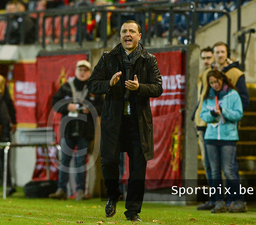 20151130 - LEUVEN ,  BELGIUM : Belgian head coach Ives Serneels pictured during the female soccer game between the Belgian Red Flames and Serbia , the third game in the qualification for the European Championship in The Netherlands 2017  , Monday 30 November 2015 at Stadion Den Dreef  in Leuven , Belgium. PHOTO DAVID CATRY