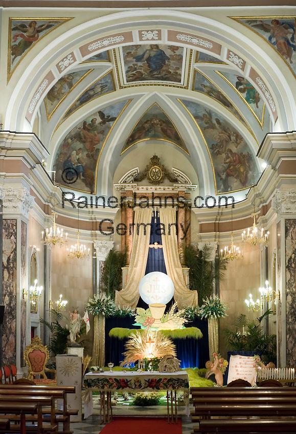 ITA, Italien, Kampanien, Sorrento: Osterschmuck in der Altstadtkirche S. Felice und S. Baccolo | ITA, Italy, Campania, Sorrento: Eastern decoration at church S. Felice and S. Baccolo