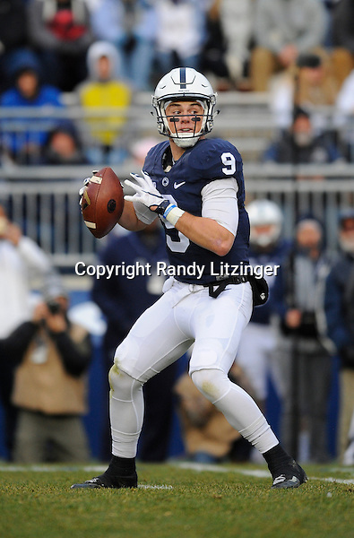 STATE COLLEGE, PA - NOVEMBER 26:  Penn State QB Trace McSorley (9) drops back to pass. The Penn State Nittany Lions defeated the Michigan State Spartans 45-12 to win the Big Ten East Division on November 26, 2016 at Beaver Stadium in State College, PA. (Photo by Randy Litzinger/Icon Sportswire)