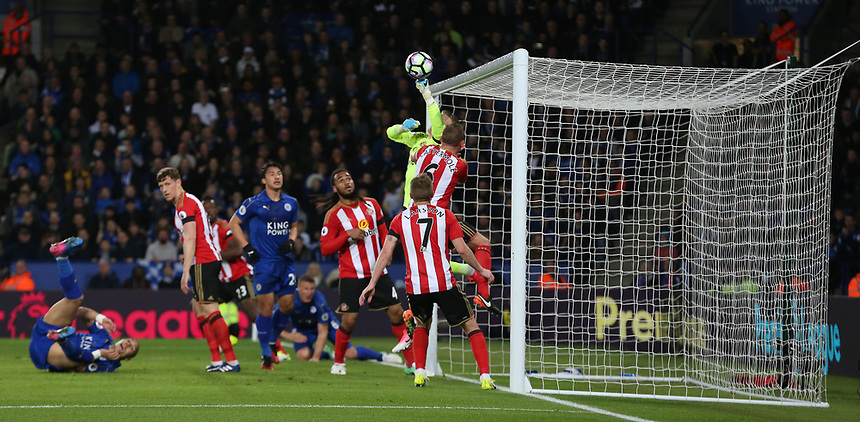 Sunderland's goalkeeper Jordan Pickford tips this header from Leicester City's Robert Huth over the bar<br /> <br /> Photographer Stephen White/CameraSport<br /> The Premier League - Leicester City v Sunderland  - Tuesday 4th April 2017 - King Power Stadium - Leicester<br /> <br /> World Copyright &copy; 2017 CameraSport. All rights reserved. 43 Linden Ave. Countesthorpe. Leicester. England. LE8 5PG - Tel: +44 (0) 116 277 4147 - admin@camerasport.com - www.camerasport.com