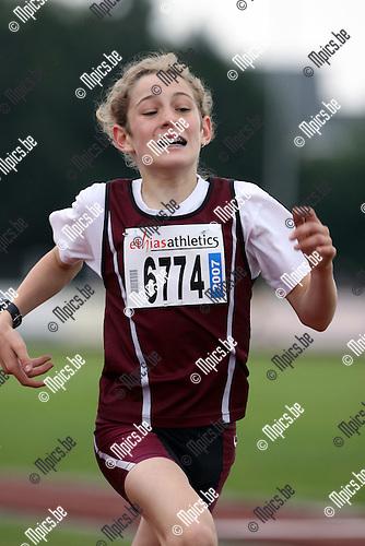 2007-05-27 / Atletiek / Internationale atletiekmeeting Duffel / Miniemen jongens 1000 m / Lars Van Kesteren 016 60 84 04