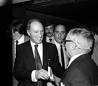 Pierre Trudeau et marc Lalonde lors du<br /> Liberal Outlook Convention 1981, 14 novembre 1981<br /> <br /> PHOTO : Agence Quebec Presse