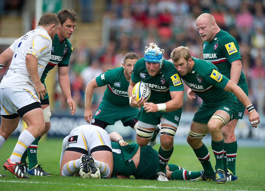 Leicester Tigers' Jordan Crane attacks the Worcester Warriors defence<br /> <br /> Photo by Stephen White/CameraSport<br /> <br /> Rugby Union - Aviva Premiership - Leicester Tigers v Worcester Warriors - Sunday 8th September 2013 - Welford Road - Leicester<br /> <br /> &copy; CameraSport - 43 Linden Ave. Countesthorpe. Leicester. England. LE8 5PG - Tel: +44 (0) 116 277 4147 - admin@camerasport.com - www.camerasport.com