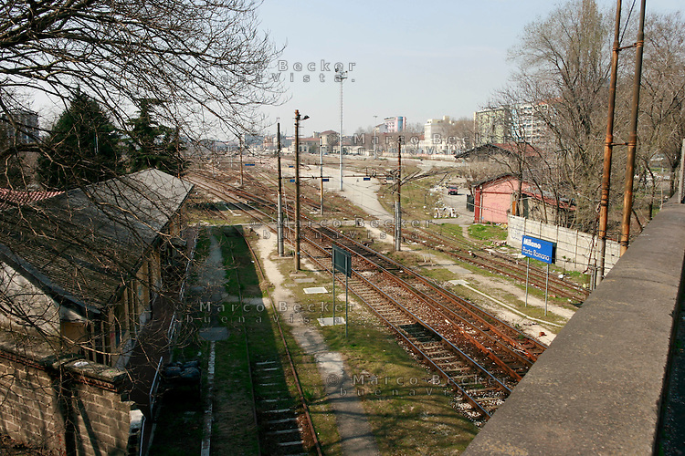 milano, periferia sud. ex scalo merci e stazione ferroviaria di porta romana in disuso --- milan, south periphery. former railway merchandise port of call of Milan Romana Gate now in disuse