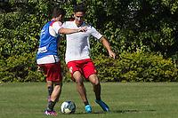 SÃO PAULO, SP, 04.08.2015 - FUTEBOL-SÃO PAULO -  Paulo Henrique Ganso durante treino do São Paulo Futebol  no Centro de Treinamento da Barra Funda, na manhã desta terça-feira (04). (Foto: Adriana Spaca/Brazil Photo Press)