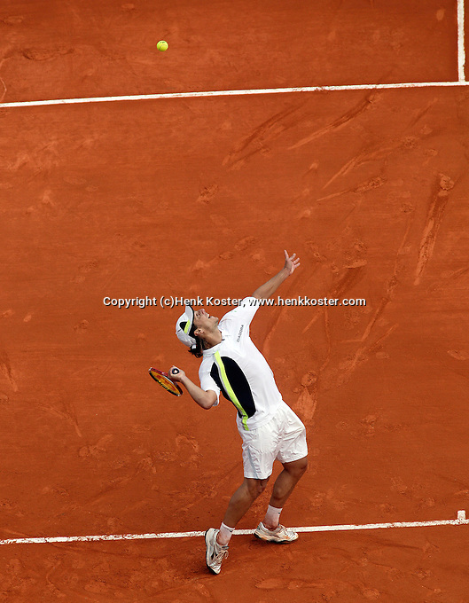 17-4-06, Monaco, Tennis,Master Series, Gaudio in action against Henman