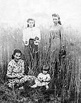 Polish film star Barbara Brylska with her mother. Aunts in the background (1944). / Барбара Брыльска с мамой. На втором плане тетки (1944). <br /> Личный архив Б.Брыльской