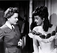 All About Eve (1950)<br /> Bette Davis &amp; Anne Baxter<br /> *Filmstill - Editorial Use Only*<br /> CAP/KFS<br /> Image supplied by Capital Pictures