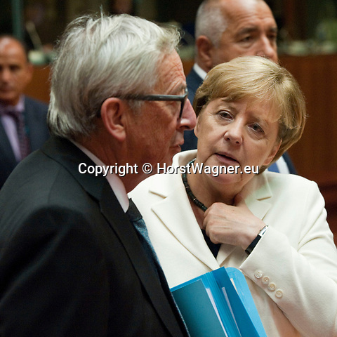 Brussels, Belgium -- October 20, 2017 -- European Council, EU-summit, meeting of Heads of State / Government; here, Angela MERKEL (ri), Federal Chancellor of Germany, with Jean-Claude JUNCKER (le), President of the European Commission -- Photo: © HorstWagner.eu