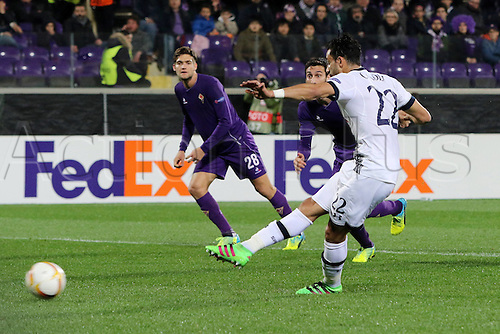 18.02.2016. Florence, Italy. UEFA Europa League football. Fiorentina versus Tottenham Hotspur. Nacer Chadli Tottenham scores his teams first Goal from a penalty kick for 0-1