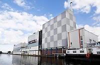 Nederland Koog aan de Zaan 2015 . ADM Cocoa fabriek aan rivier de Zaan. Foto Berlinda van Dam / Hollandse hoogte
