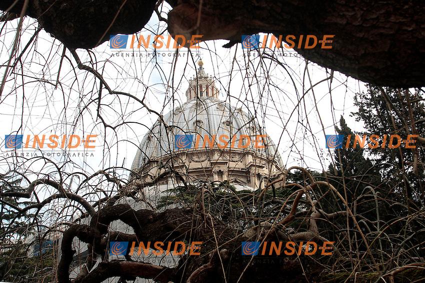 La Supola di San Pietro.S. Peter's dome .Roma 20/02/2013 Visita per la stampa all'interno di citta' del Vaticano..Visit for the press inside the Vatican City.Photo Samantha Zucchi Insidefoto