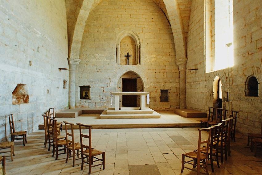 Eglise Saint-Amadour du XIIe siecle.