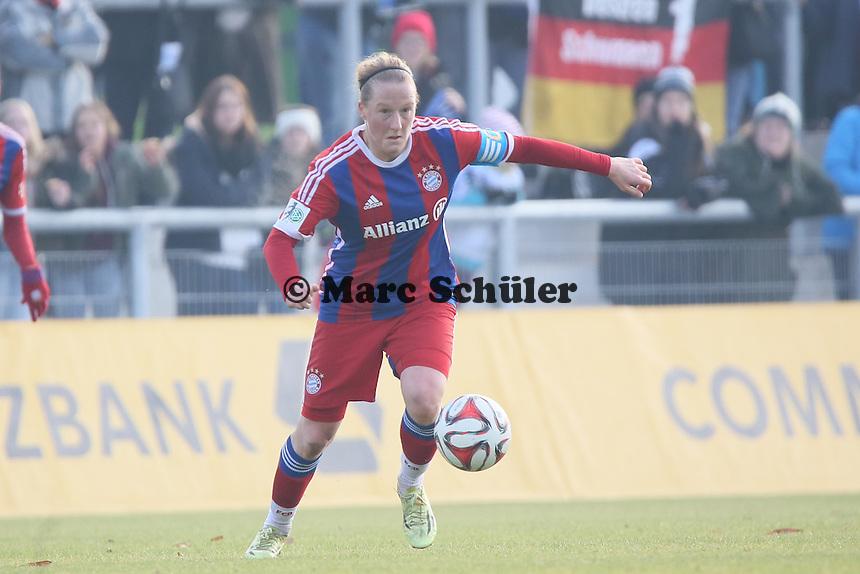 Melanie BEhringer (Bayern) - 1. FFC Frankfurt vs. FC Bayern Muenchen, Stadion am Brentanobad