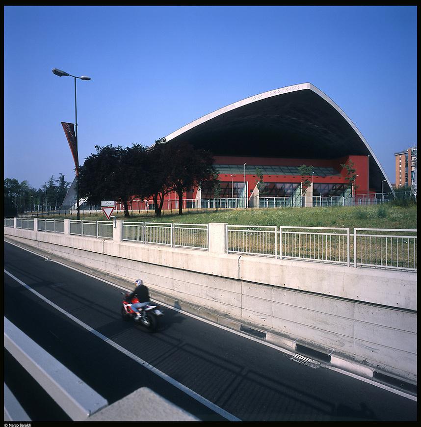 La nuova città di Torino, completata per le olimpiadi del 2006. Il Palavela.