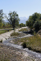 Fluss bei Tokmok, Kirgistan, Asien<br /> creek near Tokmok, Kirgistan, Asia