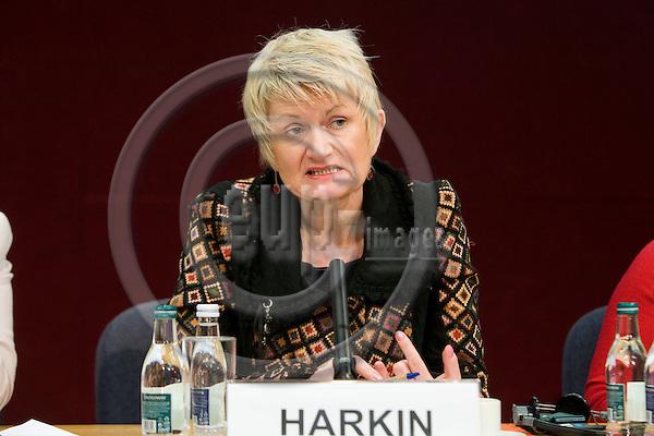 DUBLIN - IRELAND - 06 NOVEMBER 2009 -- Eurofound Forum - Global recession: Europe's way out.  MEP Marian Harkin, Belgium.  PHOTO: ERIK LUNTANG / EUP-IMAGES