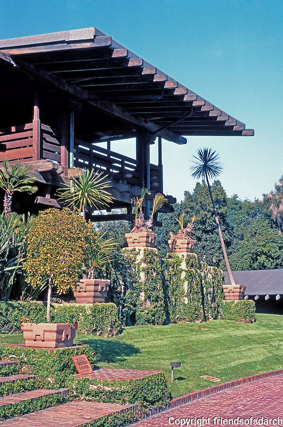 Greene & Greene: Gamble House. Balcony.  Photo '87.