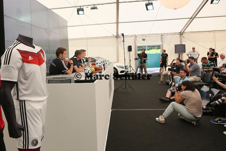 Mario Götze und Marco Reus - Pressekonferenz der Deutschen Nationalmannschaft zur WM-Vorbereitung in St. Martin