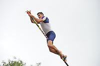 FIERLJEPPEN: GRIJPSKERK: 15-08-2015, Bart Helmholt wint met 20.94m, ©foto Martin de Jong
