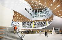 Nederland Arnhem 2016. Interieur van het nieuwe station van Arnhem. Het gebouw is een ontwerp van UnStudio. Foto Berlinda van Dam /  Hollandse Hoogte