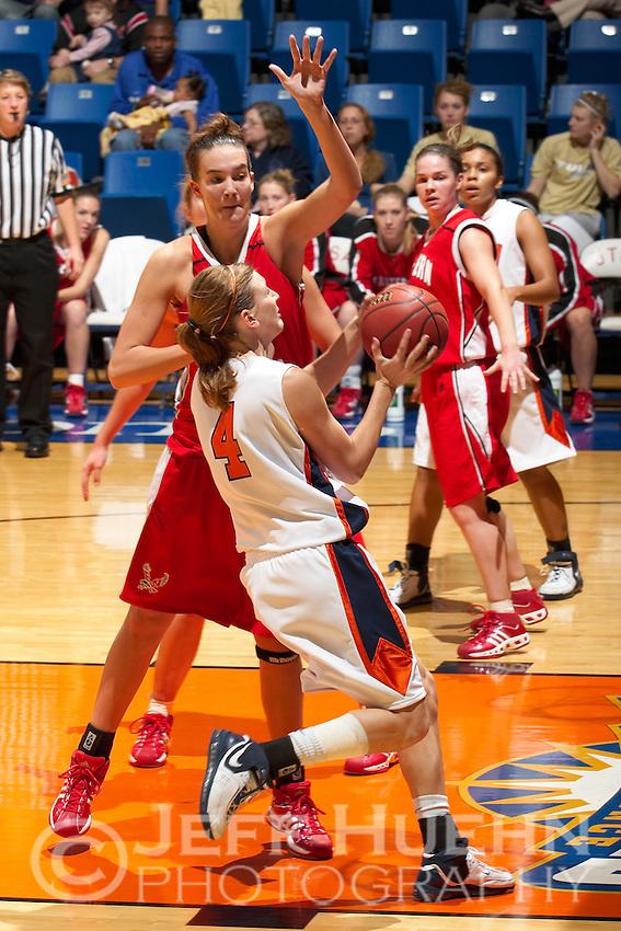 SAN ANTONIO, TX - NOVEMBER 24, 2006: The Eastern Washington University Eagles vs. The University of Texas at San Antonio Roadrunners Women's Basketball at the UTSA Convocation Center. (Photo by Jeff Huehn)