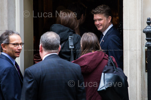 Matthew Barzun (United States Ambassador to the United Kingdom).<br /> <br /> London, 22/04/2016. The President of the United States of America, Barack Obama, meets the British Prime Minister David Cameron at 10 Downing Street during the second day of a three-day State visit to the UK. Amongst the topics of the bilateral talks: the Anglo-American efforts to combat ISIS, the Migrants Crisis, the &quot;Special Relationship&quot; between the two Countries, and the so called Brexit, in other words the upcoming referendum hold the 23rd of June 2016 over whether the UK should remain in the European Union. Barack Obama released his point of view of the Brexit on an article written for British newspaper The Telegraph (21st of April 2016) that you can find here: http://www.telegraph.co.uk/news/2016/04/21/as-your-friend-let-me-tell-you-that-the-eu-makes-britain-even-gr/