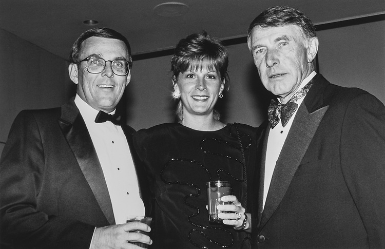 Rep. Byron Dorgan, D-N.D., wife Kimberly and Rep. Martin Olav Sabo, DFL-Minn., at Peace Links Gala on Dec. 13, 1992. (Photo by Laura Patterson/CQ Roll Call via Getty Images)