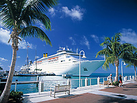 USA, Florida, Key West: Kreuzfahrtschiff am Pier | USA, Florida, Key West: cruise ship