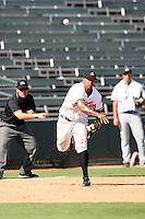 Josh Bell - Phoenix Desert Dogs, 2009 Arizona Fall League.Photo by:  Bill Mitchell/Four Seam Images..