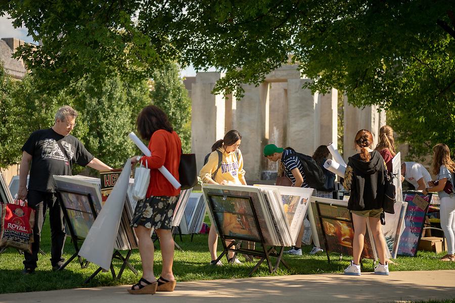August 22, 2018; Poster sale on North Quad (Photo by Matt Cashore/University of Notre Dame)