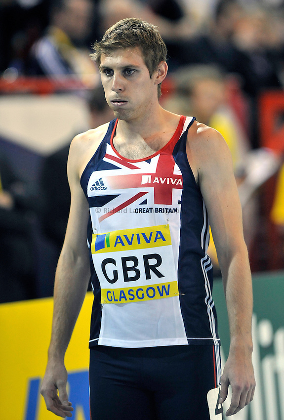 Photo: Paul Greenwood/Richard Lane Photography. Aviva International Match. 30/01/2010. .Great Britain's Richard Buck before the start of the Mens 400m.