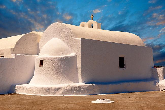 White Orthodox chapel of Oia, Santorini, Greece