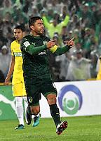 BOGOTA - COLOMBIA -25-02-2017: Stalin Motta, jugador de La Equidad, en acción, durante partido entre La Equidad y Atletico Nacional, por la fecha 5 de la Liga Aguila I-2017, jugado en el estadio Nemesio Camacho El Campin de la ciudad de Bogota. / Stalin Motta, player of La Equidad, in action, during a match between La Equidad and Atletico Nacional, for the  date 5 of the Liga Aguila I-2017 at the Nemesio Camacho El Campin Stadium in Bogota city, Photo: VizzorImage  / Luis Ramirez / Staff.