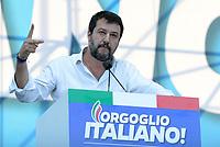 Roma, 19 Ottobre 2019<br /> Matteo Salvini,mima il gesto delle forbici riferendosi a cio che meriterebbero stupratori e pedofili.<br /> Orgoglio italiano, manifestazione della Lega e del centro destra a San Giovanni, contri il governo