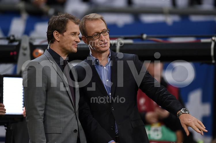 Fussball International EM 2016-Qualifikation  Gruppe D  in Gelsenkirchen 14.10.2014 Deutschland - Irland RTL-Experte Jens Lehmann (li) und RTL-Moderator Florian Koenig